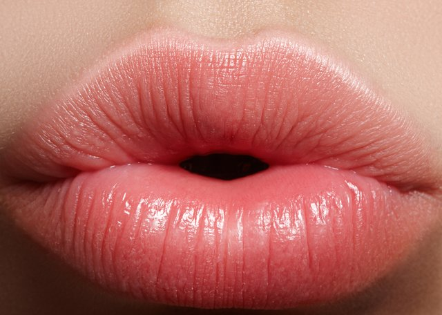 How to get rids of chapped lips