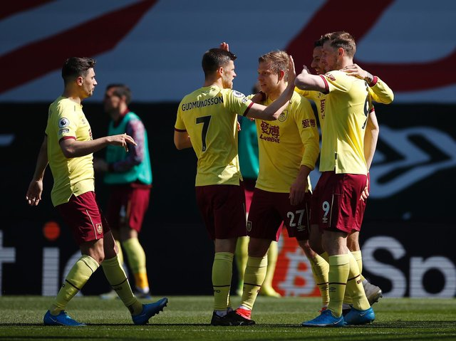 Matej Vydra of Burnley celebrates with teammates after scoring their team's second goal during the Premier League match between Southampton and Burnley at St Mary's Stadium on April 04, 2021 in Southampton, England.
