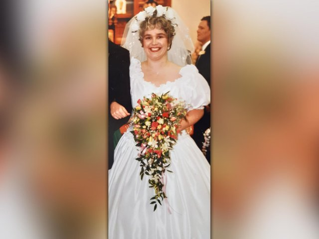 The funny little happenings on her wedding day, almost 30 years ago, are what made it memorable for reporter Sue Plunkett