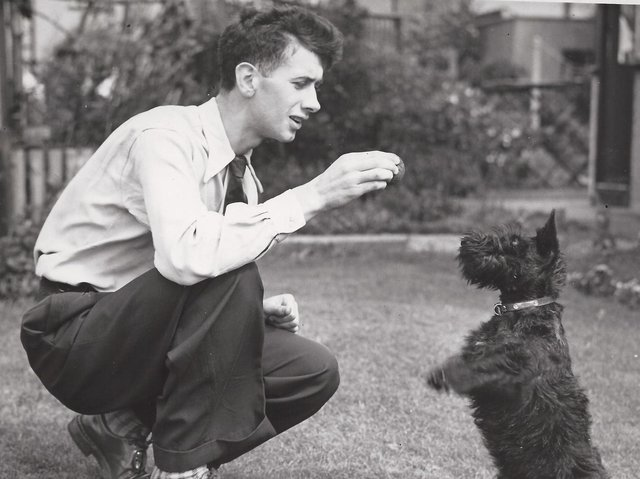 Seeing this photo of former Claret Jimmy Adamson with his scottie dog inspired author Dave Thomas to write the player's biography.