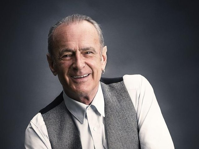 Status Quo legend Francis Rossi will play the Mechanics Theatre in Burnley at the first live show since the start of the pandemic