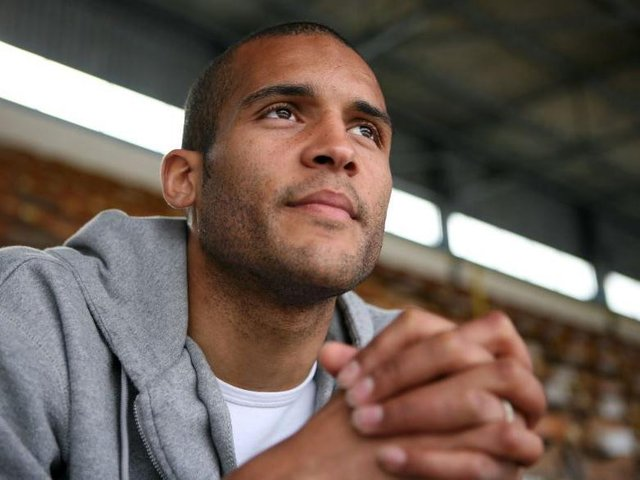 Former footballer Clarke Carlisle gave his thanks to NHS workers in Lancashire