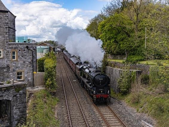 The amazing sight of the Pendle Dalesman minutes after departing from Clitheroe railway station (photo by Dave Collier)