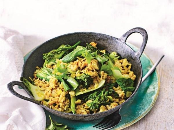 Turmeric spiced rice with chicken & greensServes 4