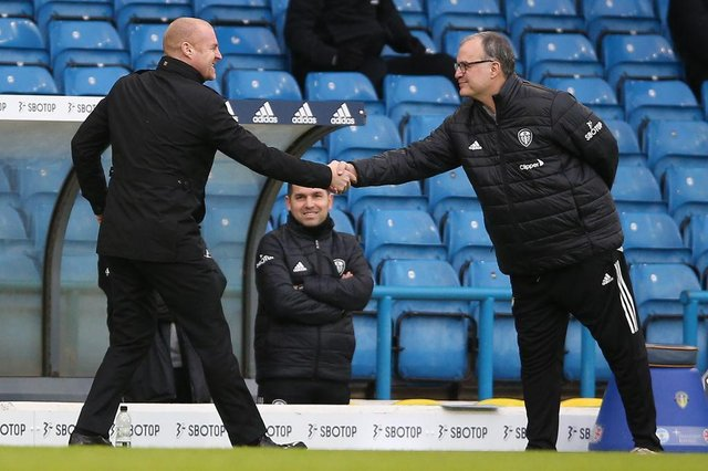 Sean Dyche and Marcelo Bielsa. (Photo by NIGEL FRENCH/POOL/AFP via Getty Images)